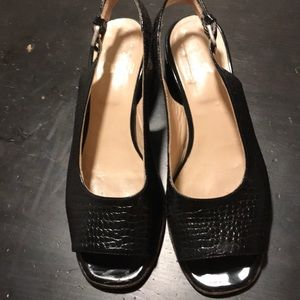 Shoes - Classy sandals leather